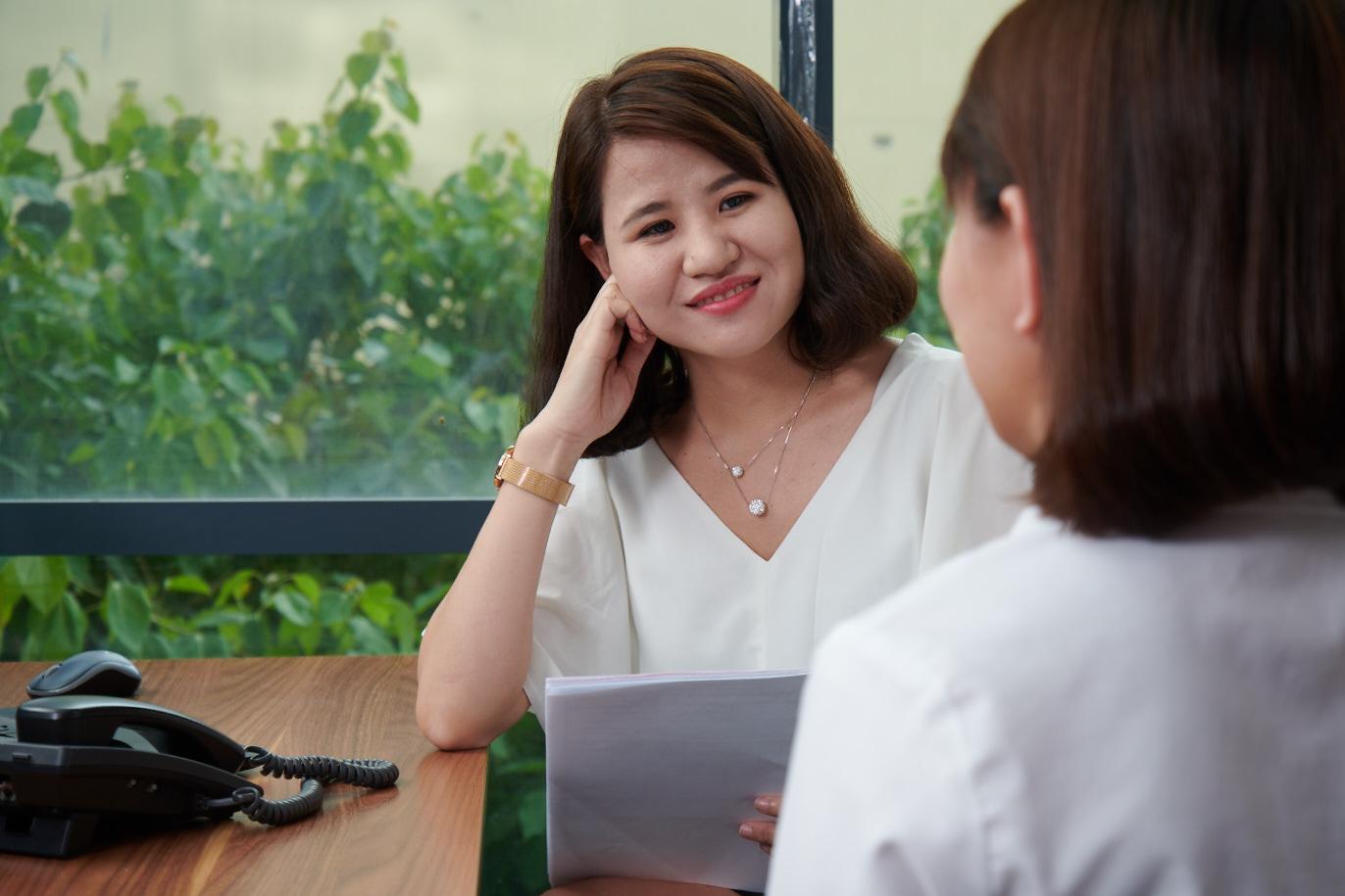 Nguyễn Thị Vĩnh Thuận – Giám sát hành chính nhân sự